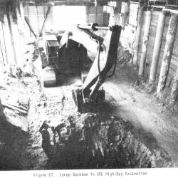 28._SRE_large_backhoe_in_high-bay_excavation