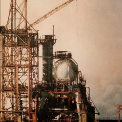 COCA_Test_Area_SSME_Engine_Test_on_Former_S_II_Configured_Test_Stand_in_1978.jpg