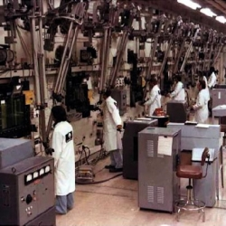 1978-Hot_Lab_Transuranic_Waste_Decladding_Room