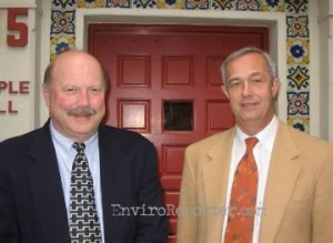 Dr. Chris Whipple, Principal of ENVIRON (Lt.) with Dr. Michael D. Pratt, Head of Brentwood School, spoke with EnviroReporter.com Jan. 30.