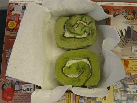 9-05-11 Swiss Roll Green Tea Cake Test 2