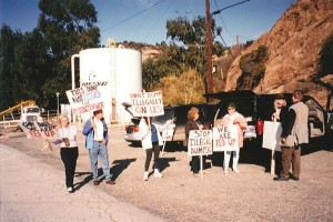 Rocketdyne Cleanup Coalition protesters at gates of Rocketdyne in 2001.