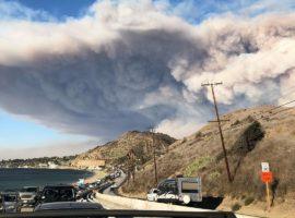 Woolsey Fire evacuation from Malibu on November 9, 2018 by Cyclonebiskit
